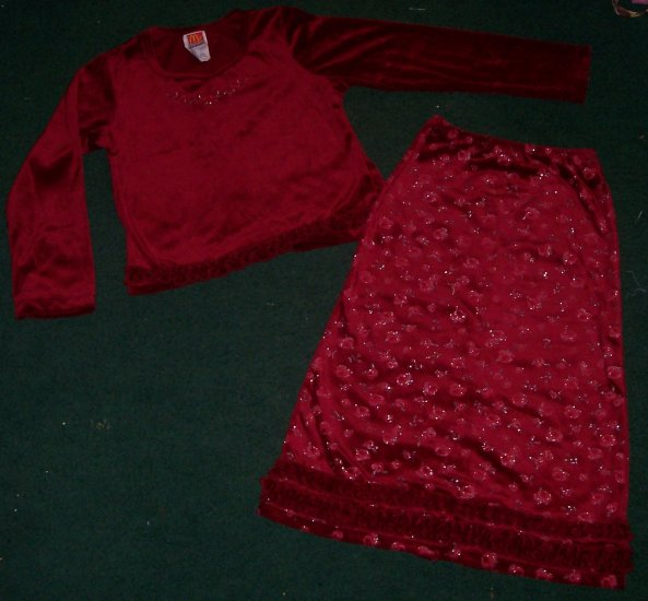 CUTE 2 PC SKIRT OUTFIT SIZE 6
