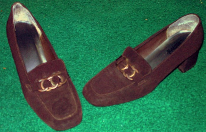 BROWN LOW HEEL DRESS SHOES SIZE 8 1/2