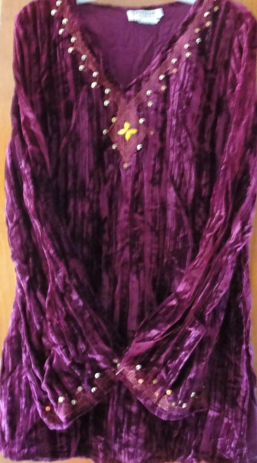 Free ShippingPURPLE VELVET EMBROIDRED  WITH SEQUIN V-NECK  T-SHIRT SIZE SMALL