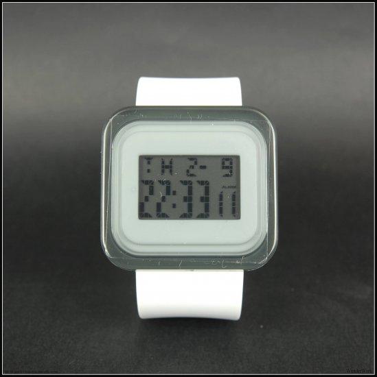White x Black - Fashion Digital Watch