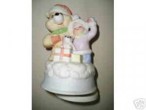 "CHRISTMAS COLLECTION 51/2"" REVOLVING CERAMIC MUSICLE"