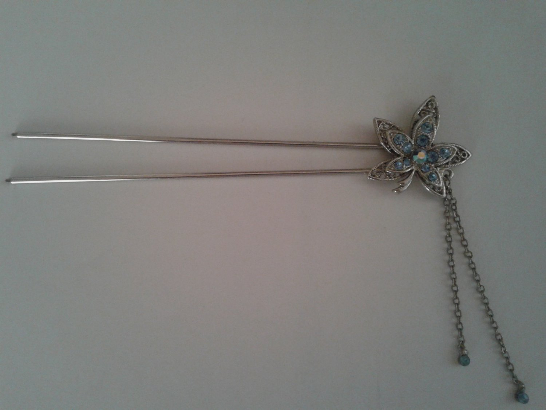 Blue flower hair pin