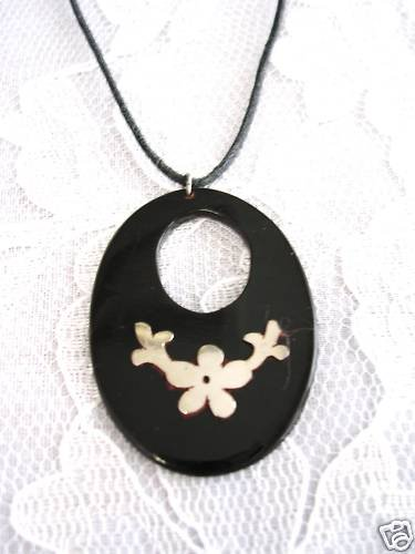 HAND MADE BULL HORN OVAL SHAPE w FLOWER SILVER INLAY PENDANT ADJ NECKLACE
