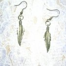 SIMPLE DANGLING FEATHERS SILVER PEWTER EARRINGS JEWELRY