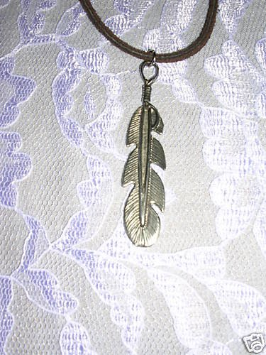 NEW TRIBAL DESIGN EAGLE FEATHER - BIRD FEATHER USA PEWTER PENDANT NECKLACE