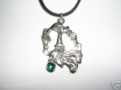 WILD OLD SPELL CASTING FANTASY WIZARD GREEN CRYSTAL PEWTER PENDANT NECKLACE