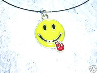 CLASSIC IMOGI FUNNY SMILEY FACE w TONGUE OUT PENDANT ADJ CORD NECKLACE