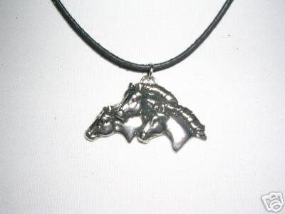 "EQUESTRIAN TRIO OF HORSE HEADS PEWTER PENDANT 18"" HORSES NECKLACE"