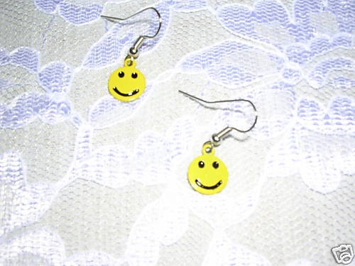 NEW CLASSIC YELLOW SMILEY FACE EARRINGS FASHION JEWELRY