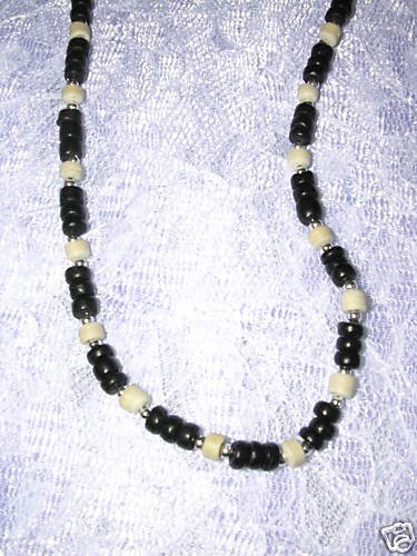 """COOL NEW BLACK & WHITE COCO BEADS 16"""" CHOKER NECKLACE"""