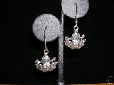 PEWTER SPOTTED BUMPY TEXTURE TOAD DANGLING DROP CHARM EARRINGS FROG TOAD