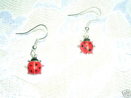 CUTE RED & BLACK SILVERTONE LADY BUG LADYBUG DANGLING CHARM PIERCED EARRINGS