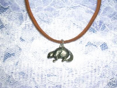 NORTH AMERICAN RIVER ANIMAL BEAVER PEWTER PENDANT NECKLACE