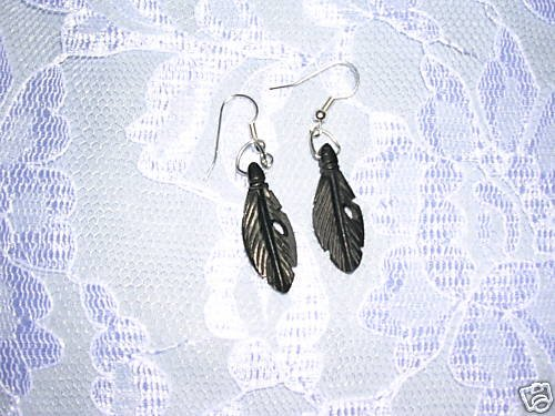 NEW NATIVE INSPIRED BLACK HAND CARVED BUFFALO BONE FEATHER EARRINGS