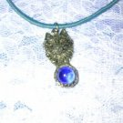 BLUE MOON NIGHT WOLF WILDLIFE ANIMAL HEAD w BLUE GLASS BALL PEWTER PENDANT ADJ NECKLACE