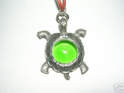 LARGE TURTLE WITH GREEN GLASS CENTER PEWTER PENDANT NECKLACE