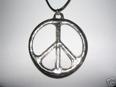 CLEARANCE COOL VINTAGE LOOK GIANT PEACE SIGN USA CAST PEWTER PENDANT ADJ CORD NECKLACE