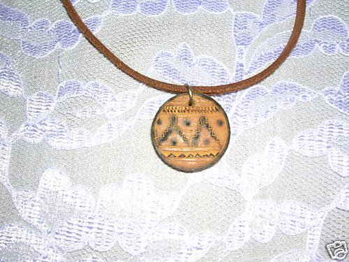 """REAL WOODEN ROUND TRIBAL MOUNTAIN GRAND CANYON PENDANT 18"""" NECKLACE"""