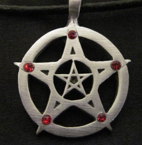 DOUBLE PENTACLE STAR w 5 RED CRYSTAL POINTS WICCA PEWTER PENDANT NECKLACE