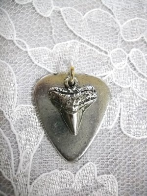 PEWTER GUITAR PICK & SHARK TOOTH CHARM PENDANT ADJ CORD NECKLACE