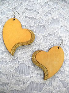 NATURAL BROWN SHAPED HEART w GOLD GLITTER ACCENT REAL WOODEN DANGLING EARRINGS
