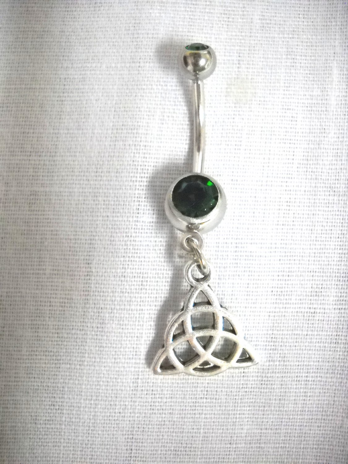 TRIQUETRA CELTIC INFINITY PAGAN 14g EMERALD GREEN CZ BELLY RING BARBELL