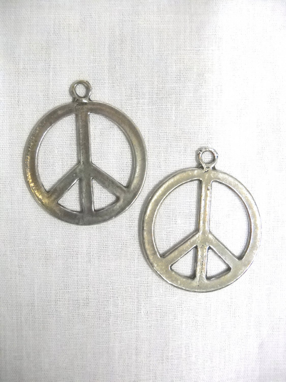SALE FLASHBACK ROUND SILVER PEWTER HIPPIE PEACE SIGN PENDANT EARRINGS JEWELRY