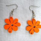 NEW HOT ORANGE NATURE GIRL DAISY FLOWERS WOODEN FLOWER CHARM EARRINGS