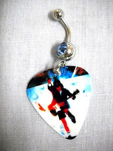 AC/DC ANGUS YOUNG GUITARIST ROCK & ROLL PRINTED GUITAR PICK BLUE CZ BELLY RING