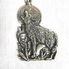 HOWLING FULL BODY WOLF / COYOTE IN DESERT SCENE USA PEWTER PENDANT ON ADJ CORD NECKLACE