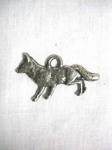 NEW FULL BODY CURIOUS FOX DEEP WOODS ANIMAL USA CAST PEWTER PENDANT NECKLACE