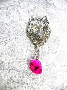 ENGRAVED SHE WOLF HEAD w BRIGHT PINK FREEFORM TURQUOISE PENDANT NECKLACE WOLVES TOTEM