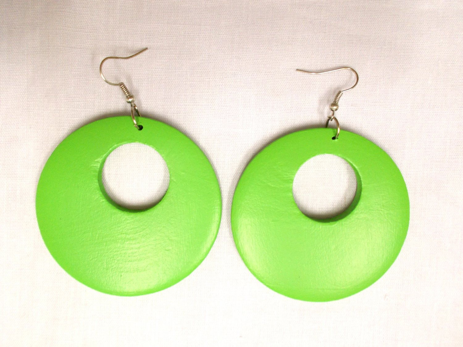 BIG SIZE LARGE APPLE LIME GREEN HAND PAINTED WOOD ROUND EXOTIC DANGLING FLAT HOOP EARRINGS