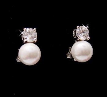 E-3020 Pearl & Cubic Zirconia Clip-On Earring