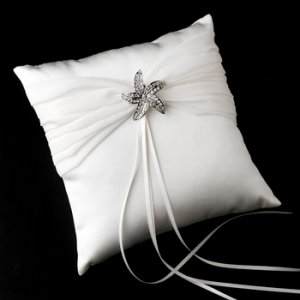 Ring Pillow 11 with Silver Clear Beach Starfish Brooch 3177