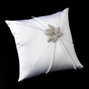 Ring Pillow 16 with Silver Clear Crystal Flower Brooch 67