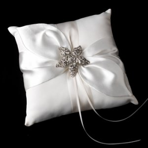 Ring Pillow 17 with Antique Clear Beach Starfish Brooch 40