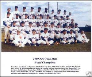 NEW YORK METS - 1969 COLOR TEAM PHOTO - SHEA STADIUM