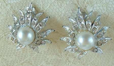 Sunrise faux Pearl and Rhinestone Clip-On Earrings Vintge Jewelry