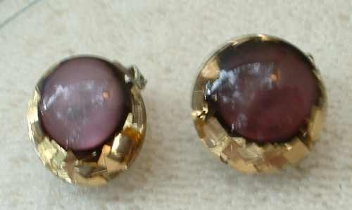 Confetti Lucite Amethyst Moonglow Clip On Earrings Vintage Jewelry