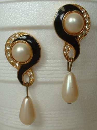 Black Enamel Pearl Pave Rhinestone Earrings Modernist Post Style Vintage Jewelry