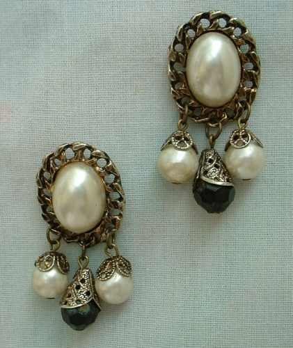 Faux Pearls Black Enamel Rhinestones Japanned Dangle Post Vintage Earrings
