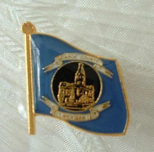 Monroe County Michigan MI Gold Enameled Tie Tac Lapel Pin