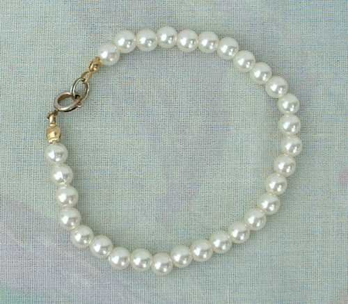 Faux Pearl Bracelet 7-inches Long Jewelry