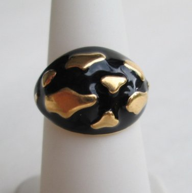 Abstract Black Enamel Goldtone Ring Size 5.5 Clouds Classy Jewelry