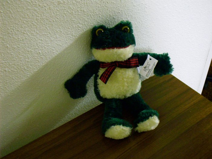 Russ Berrie Best of Luv Pets - 1988 - Plush Fribbit Frog  FREE USA SHIPPING!!!