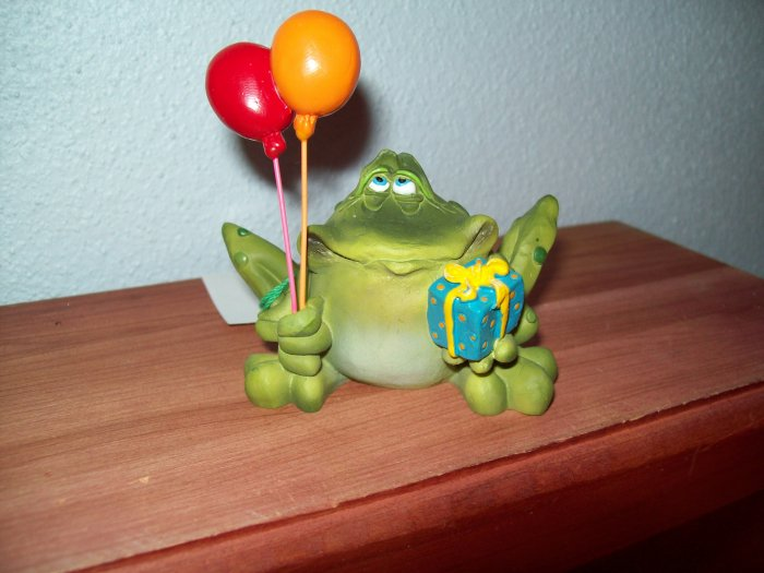 Russ Toadily Yours Happy Birthday Frog with Balloons & Present 21166 FREE USA SHIPPING!