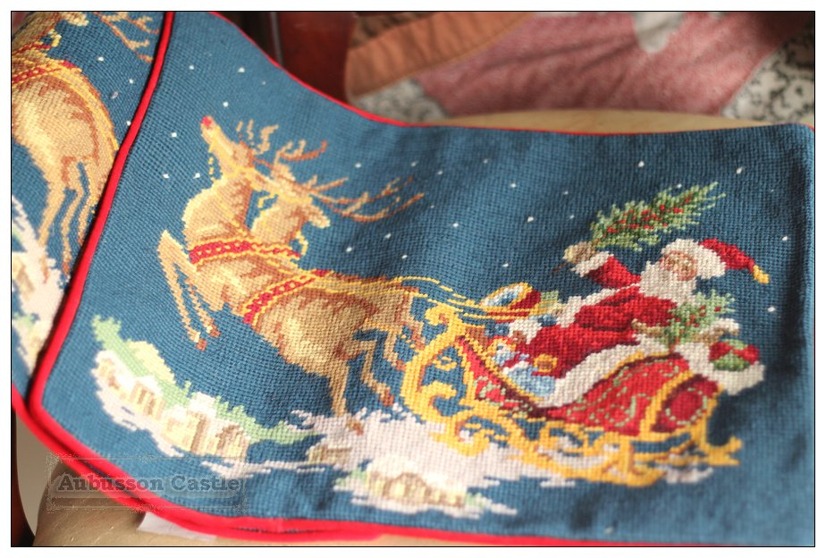A PAIR! WOOL Chic Needlepoint CHRISTMAS Pillow Decorative Bed Sofa Chair Cushion