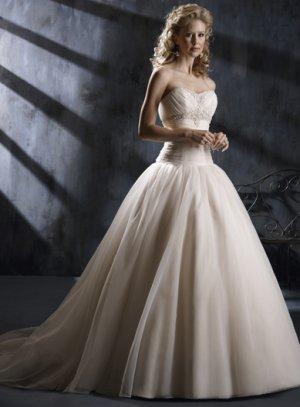 Gorgeous Sweetheart Strapless Ball Gown Wedding Dress WN0129