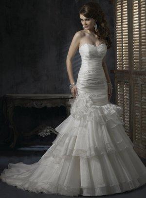 Sweetheart Strapless Multi-layer Organza Wedding Dress WN0394